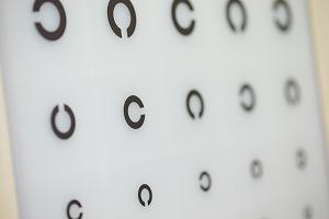 オルソケラトロジーは、安全な視力矯正法です。